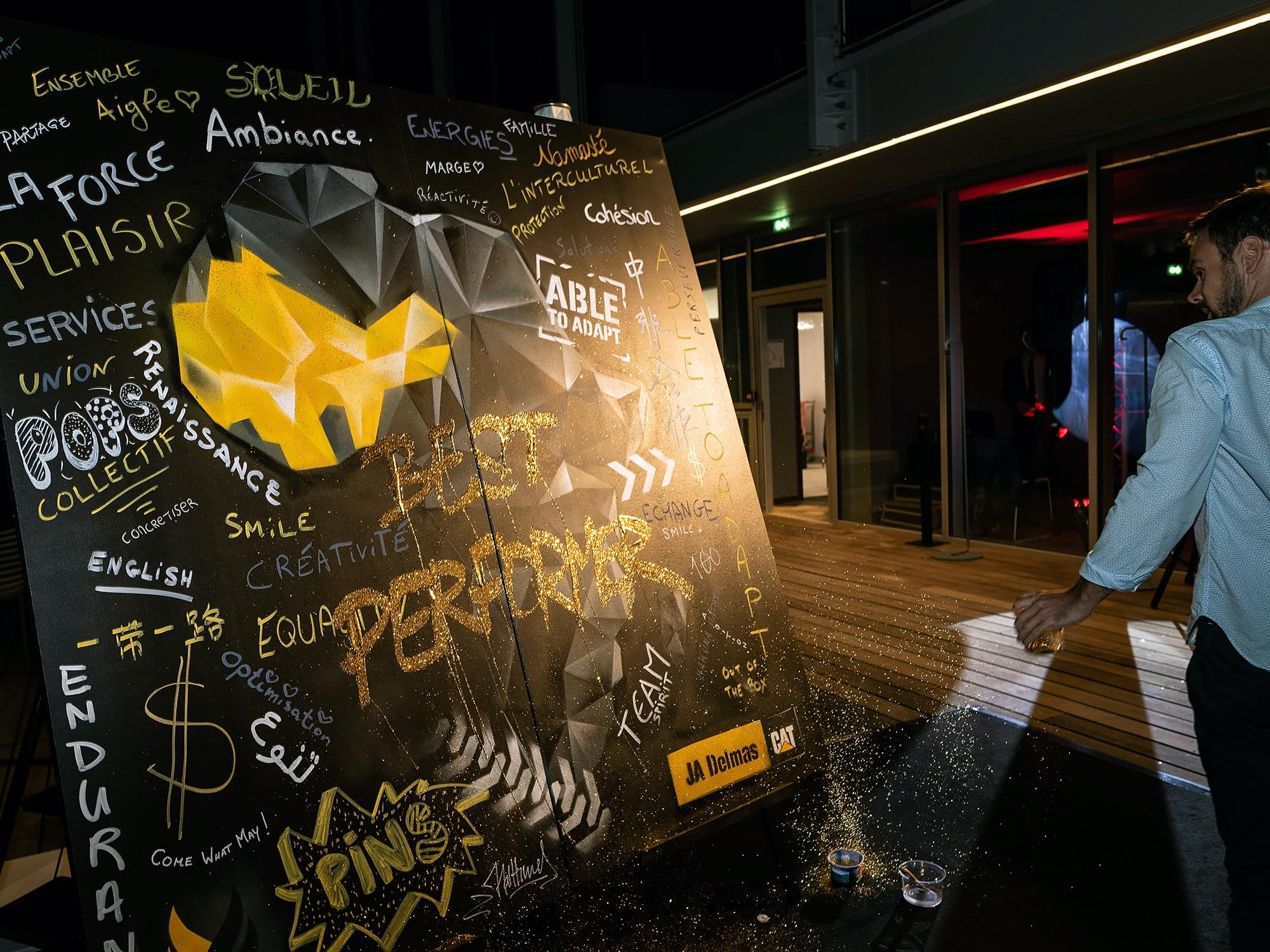 02-paillette-livepainting-graffiti-performance-graffeur