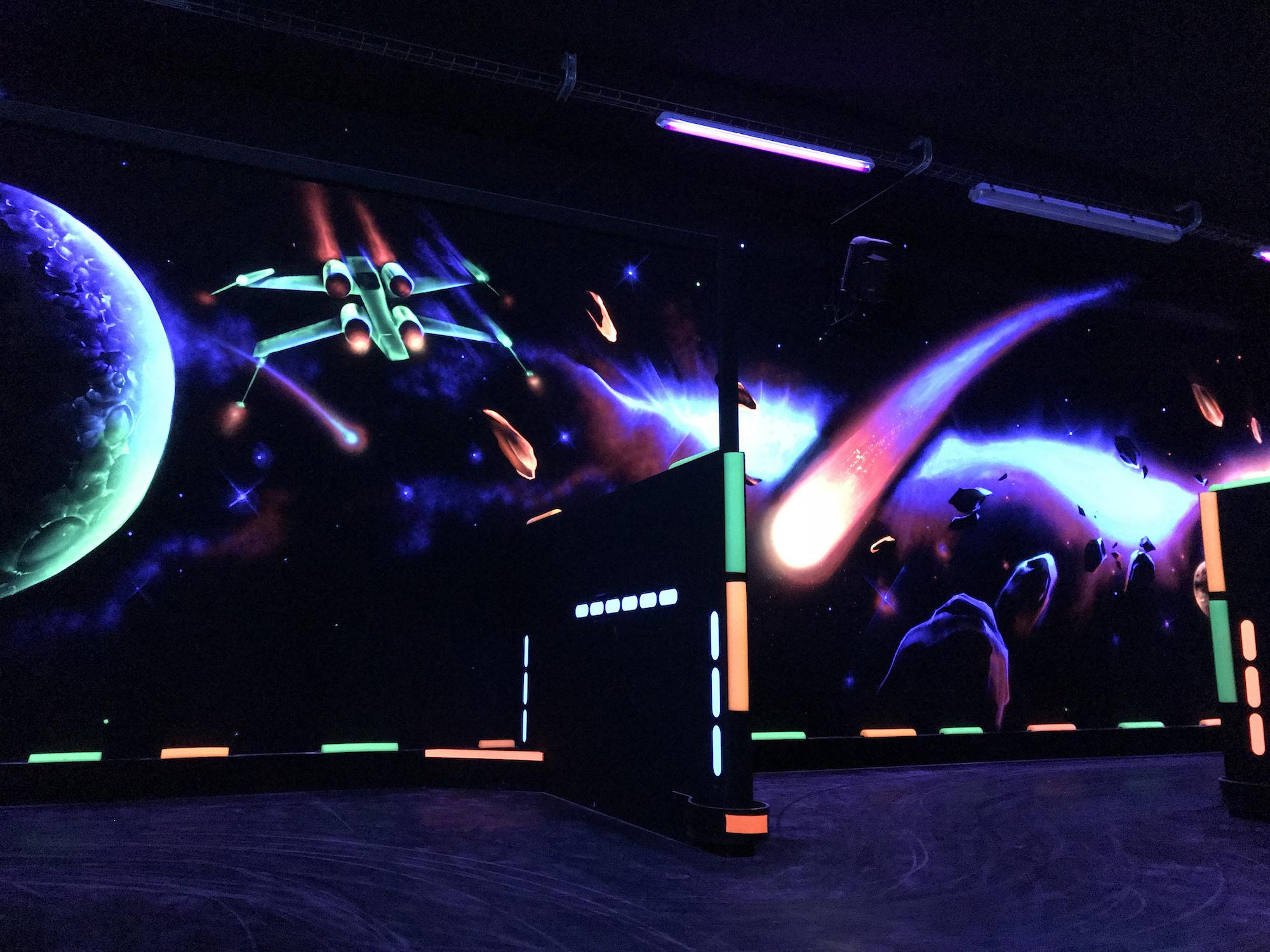 06-fresque-graffiti-blacklight-lumiere-ultraviolet