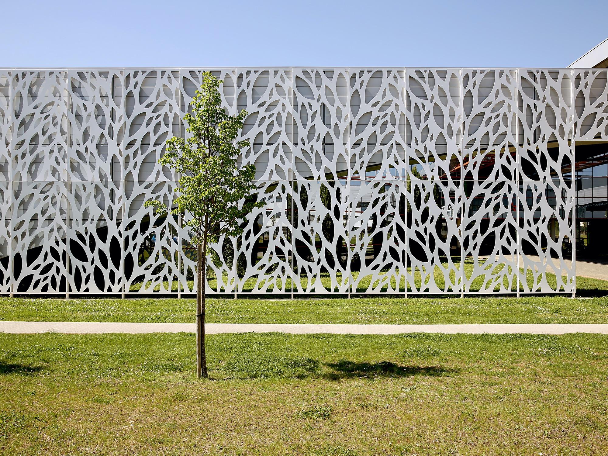09-resille-facade-motif-decoration