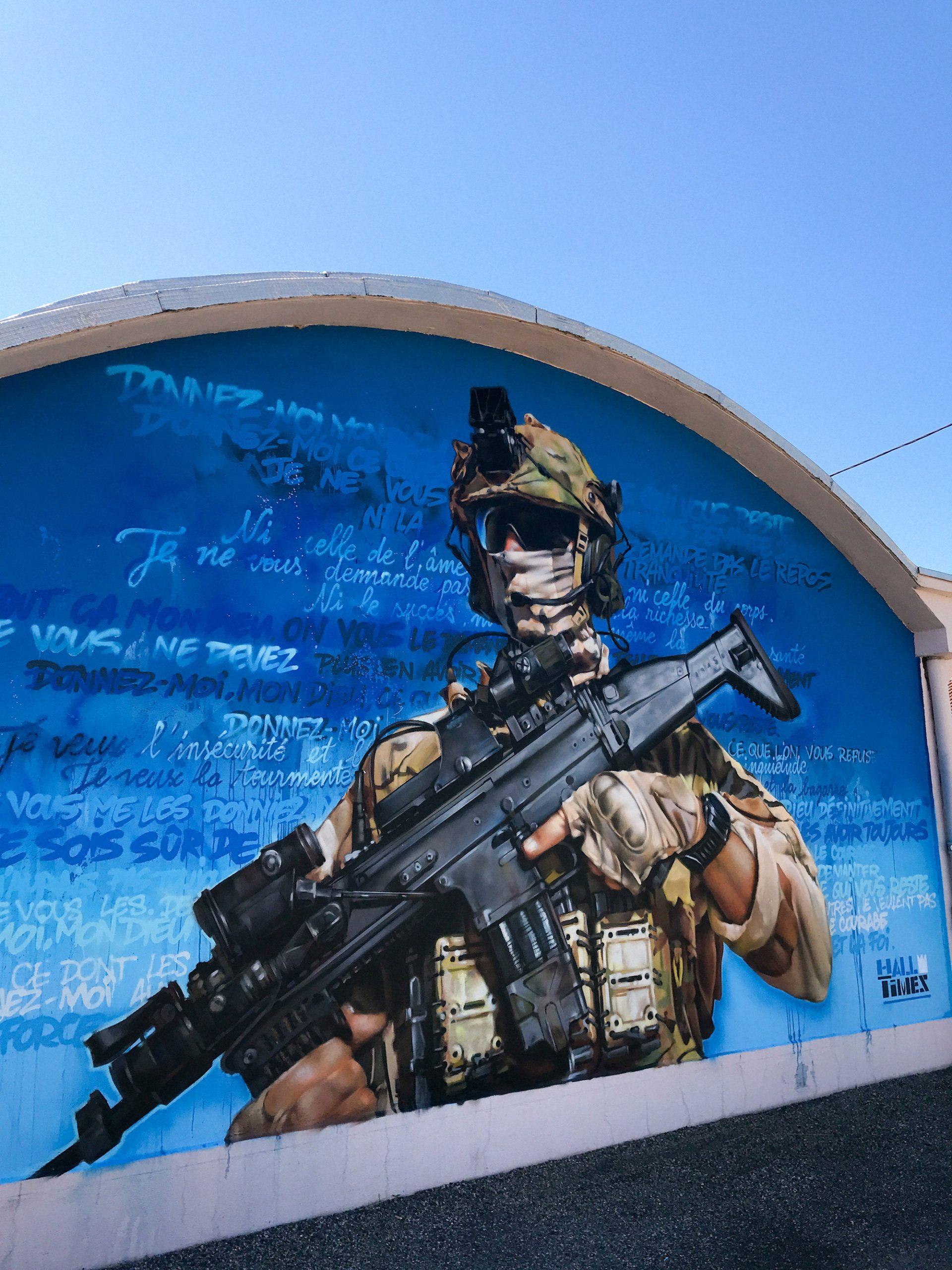 Fresque-art-commando-legionnaire-militaire-hommage-parachutiste