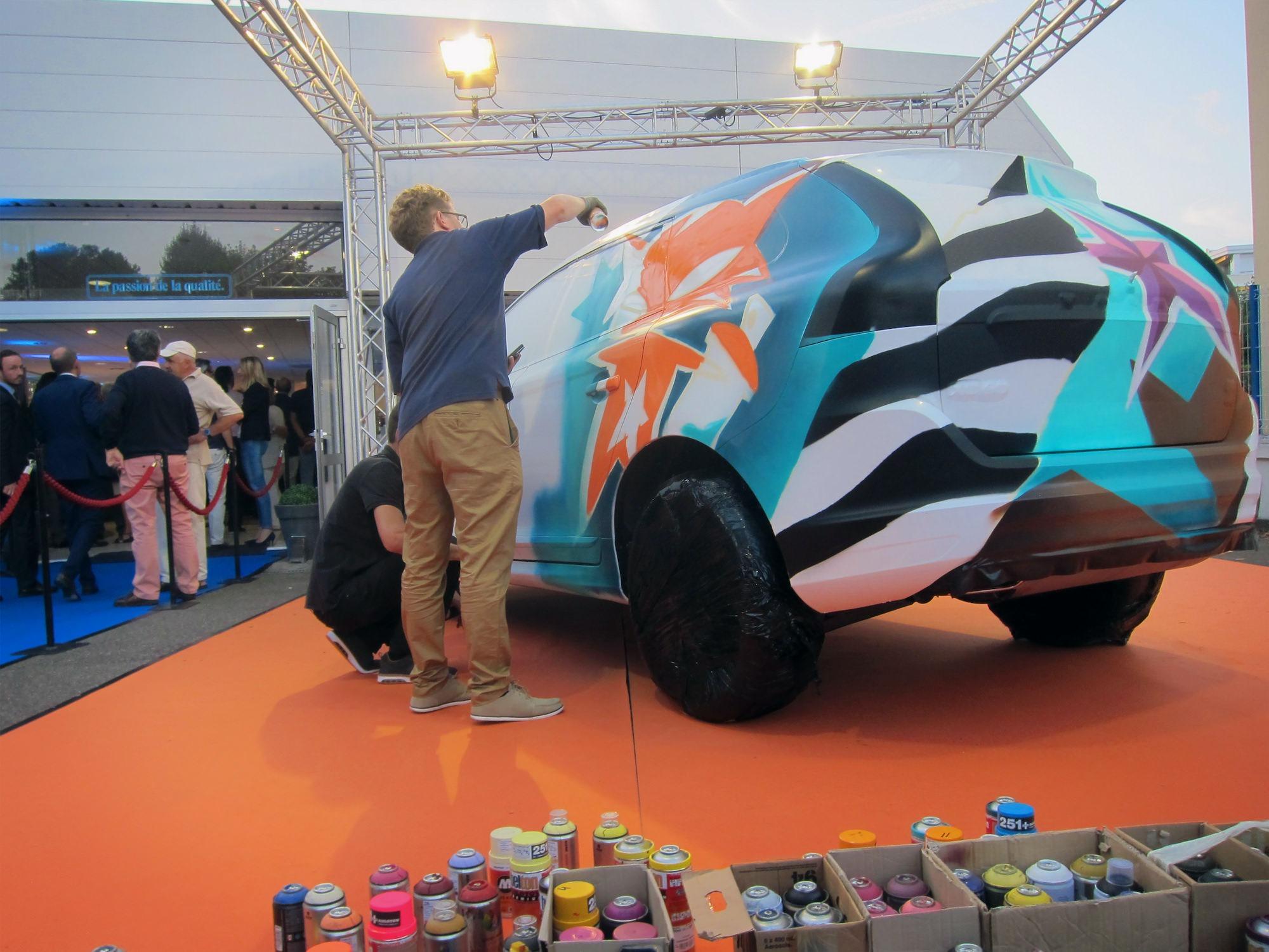 action-painting-live-graffiti-artiste-toulouse-pau-vehicule-voiture