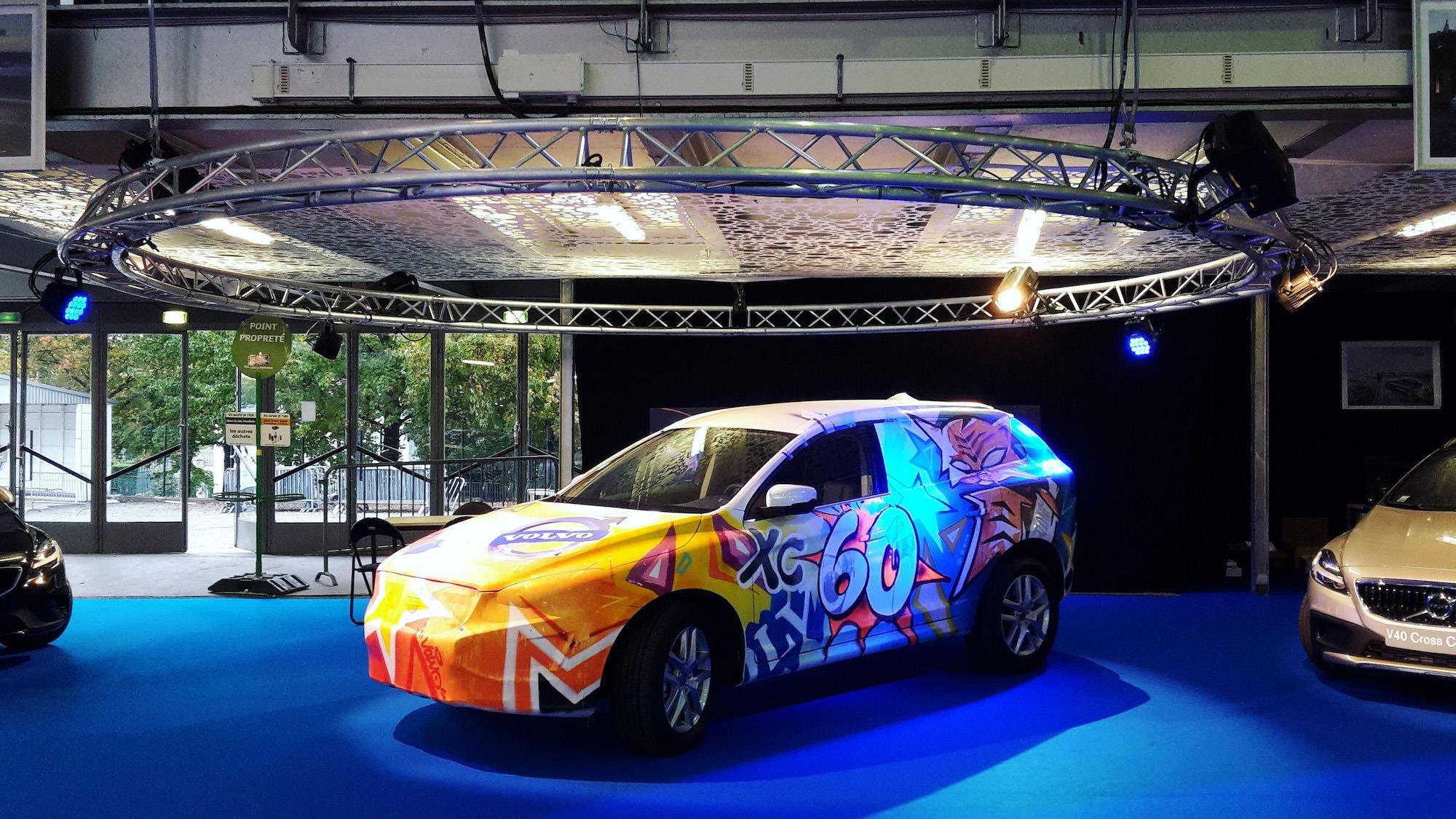 custom-car-performance-artistique-voiture-graffiti-tag