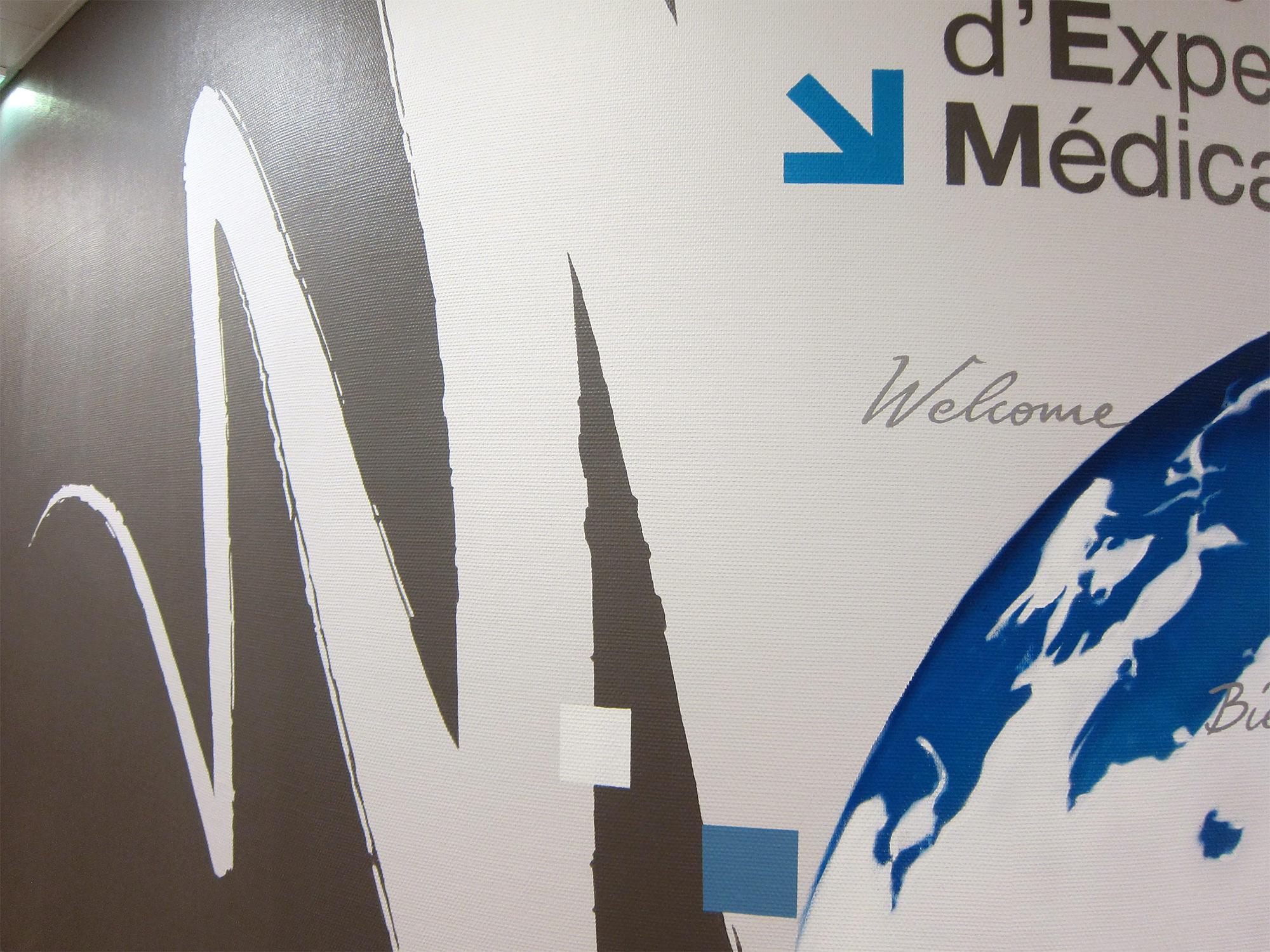 deco-centre-medical-aeroport-design-mural