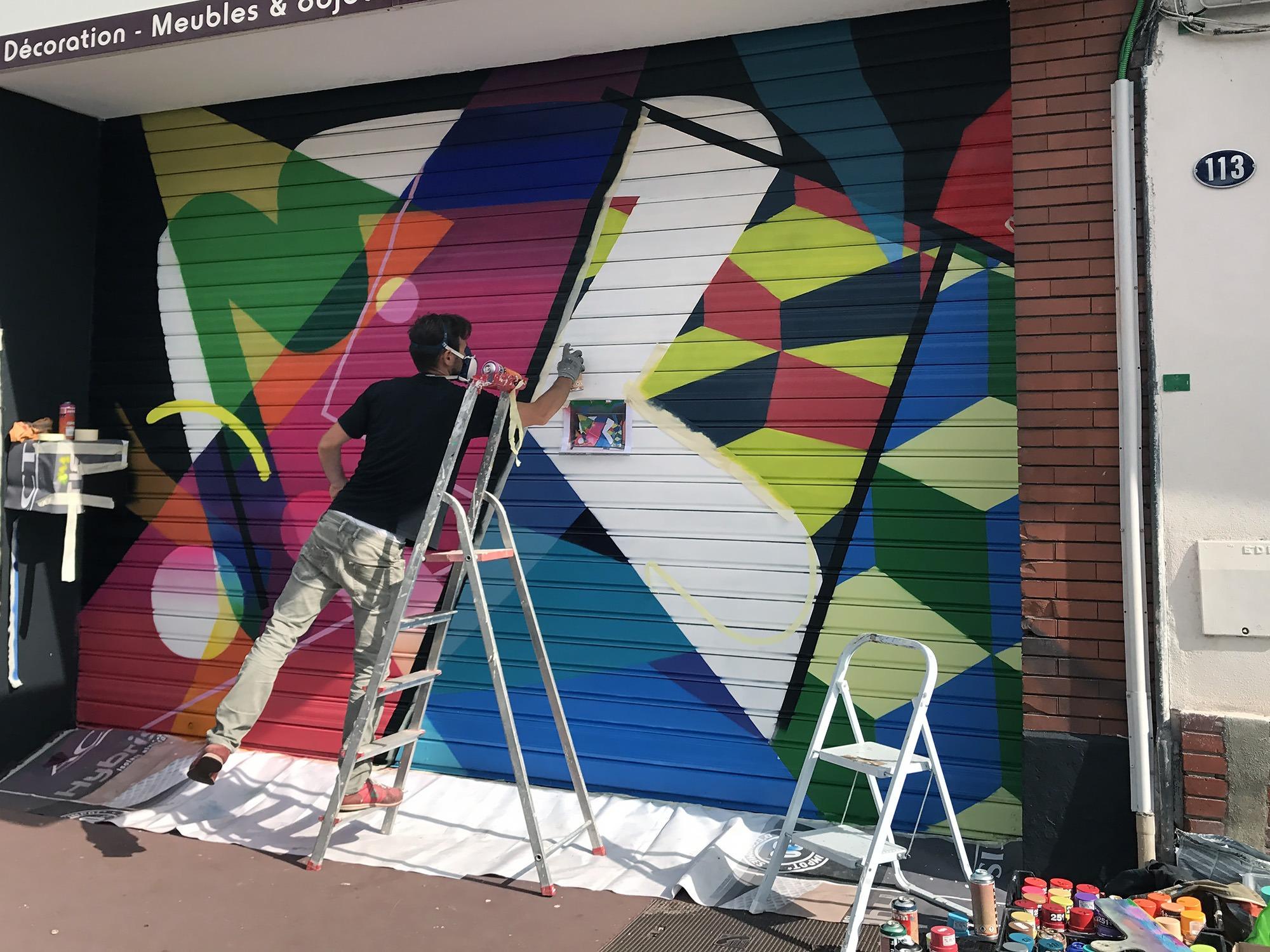 decoration rideau metallique devanture graffeur peintre