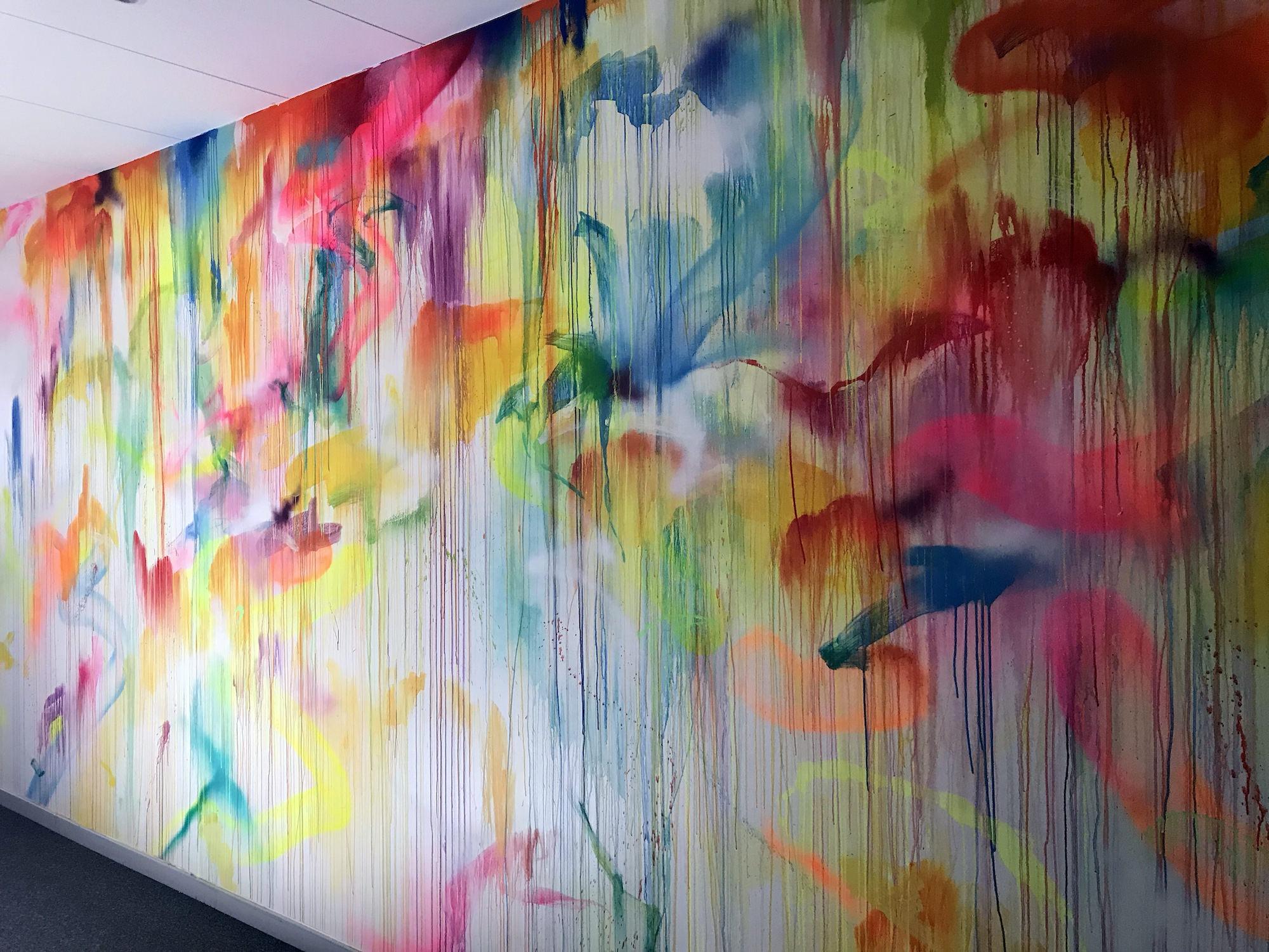 mur-couleurs-graffiti-drips-bureaux-fresque