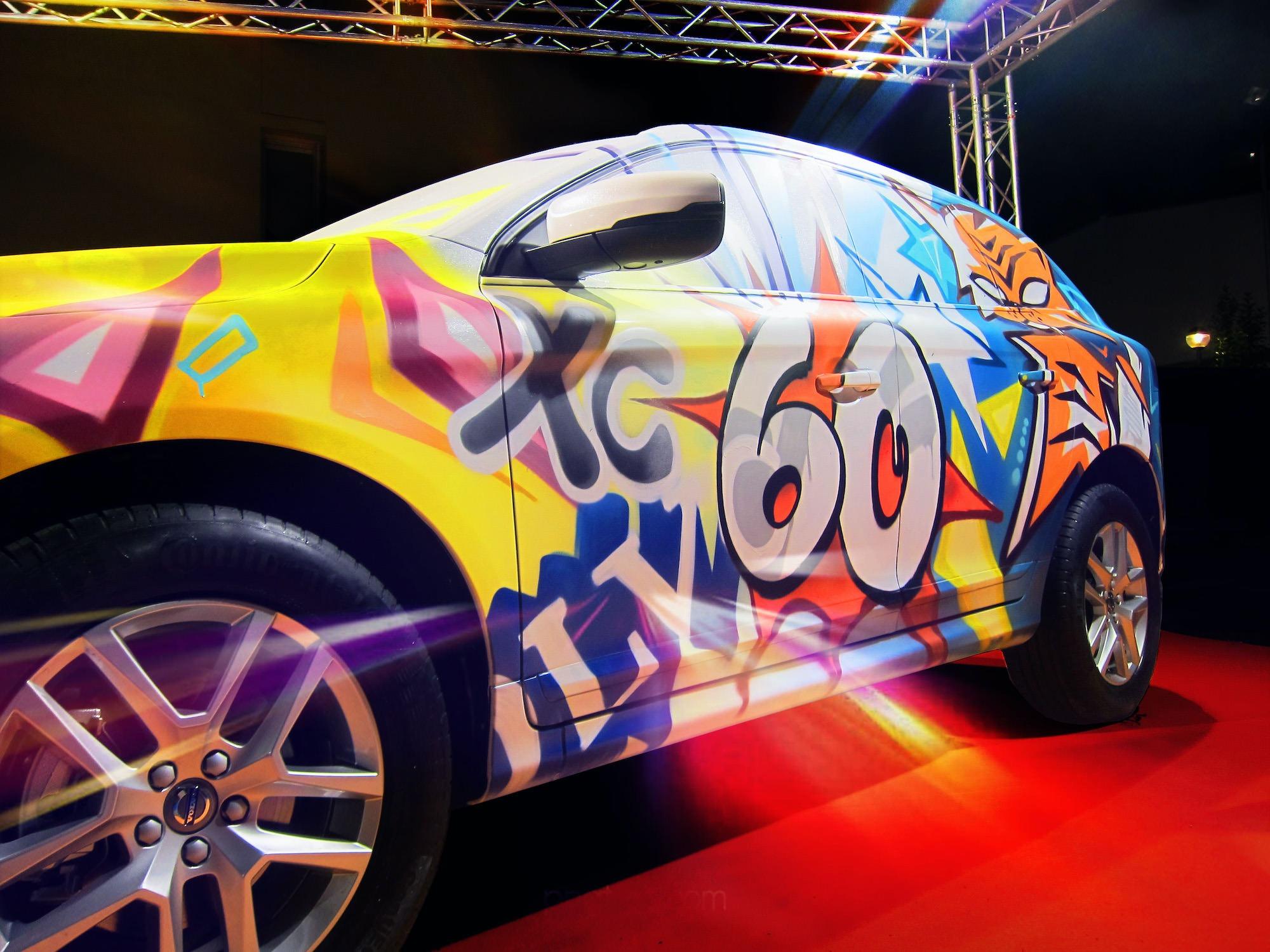 volvo-custom-voiture-graffiti-artiste-02