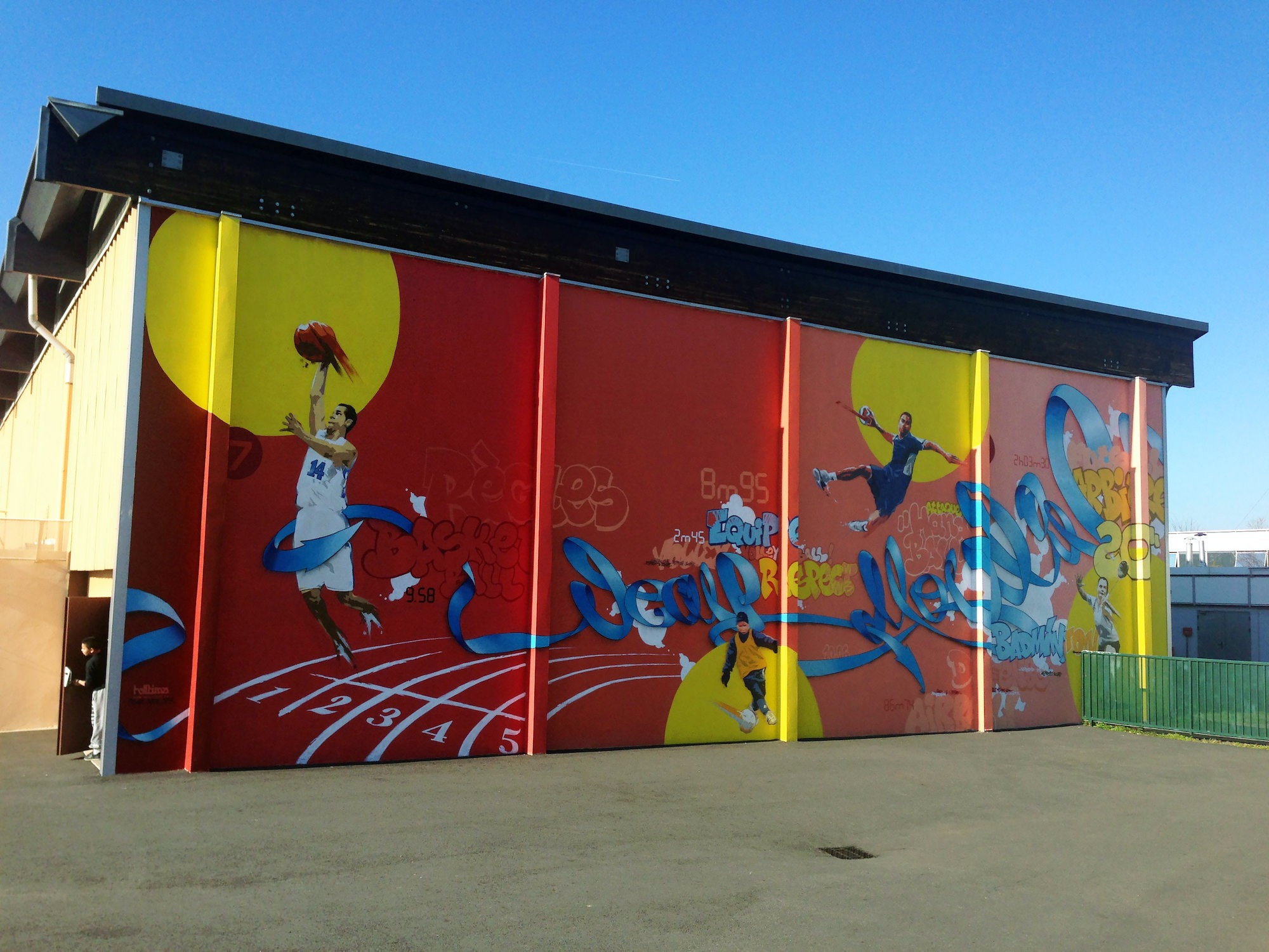 fresque gymnase ecole julesjulien toulouse sport graffiti