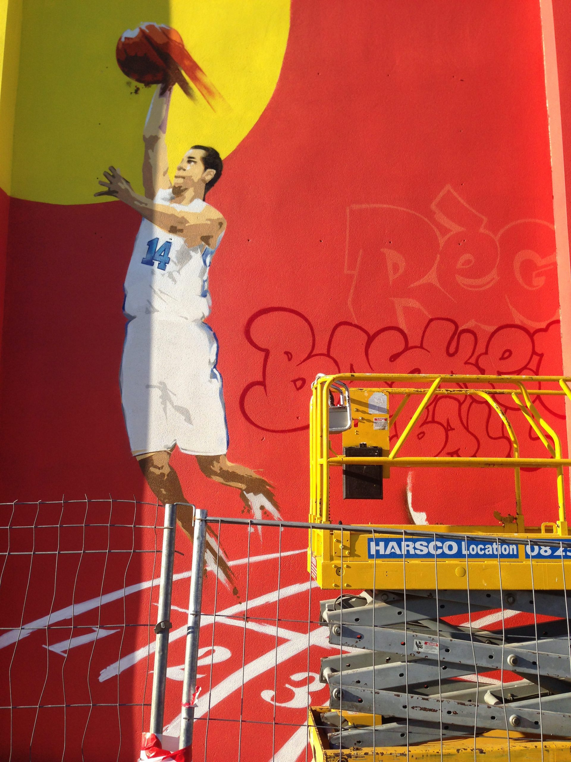 fresque sport graffiti ecole gymnase toulouse