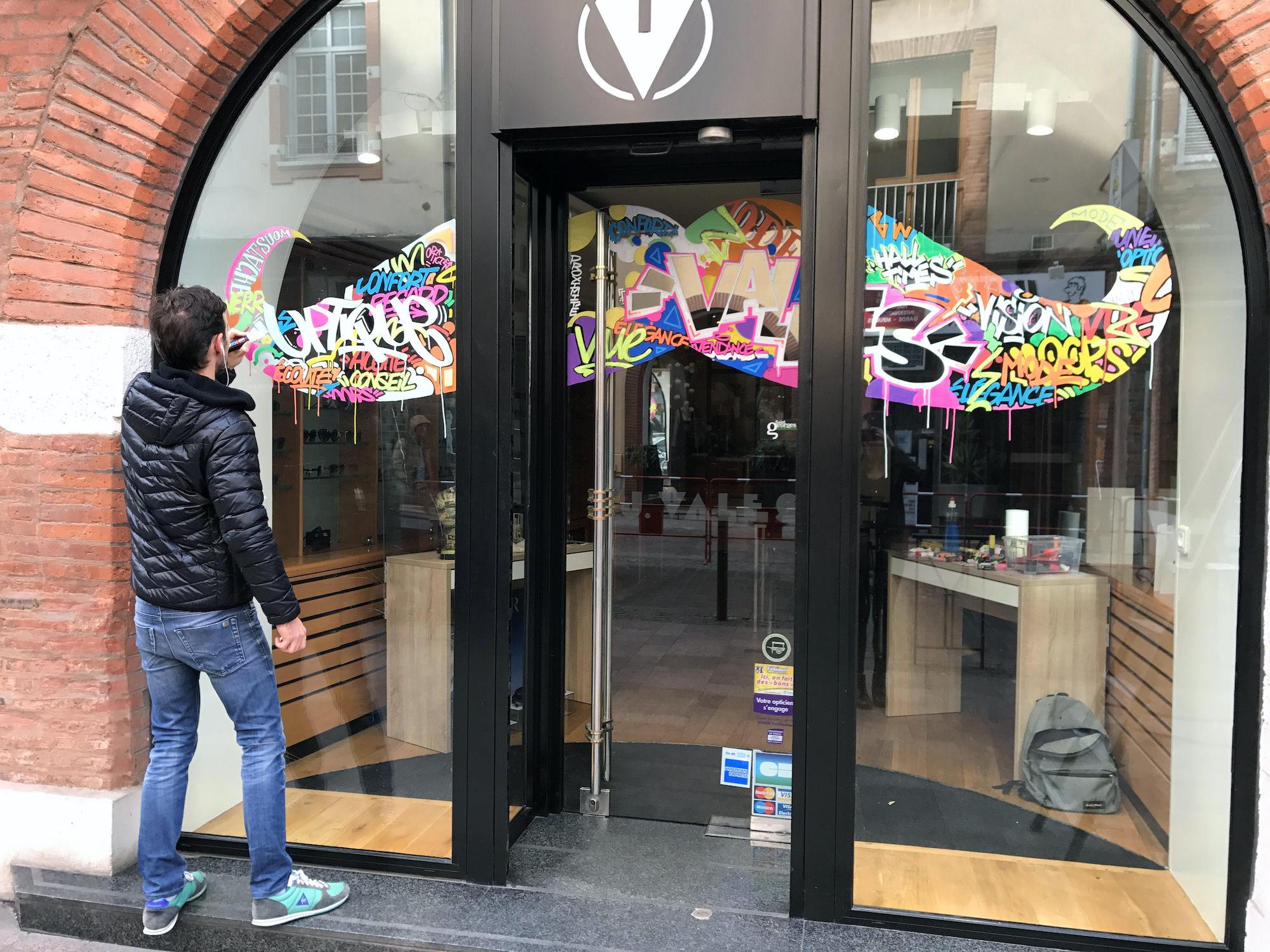 graffeur toulouse vitrine deco art tag graffiti