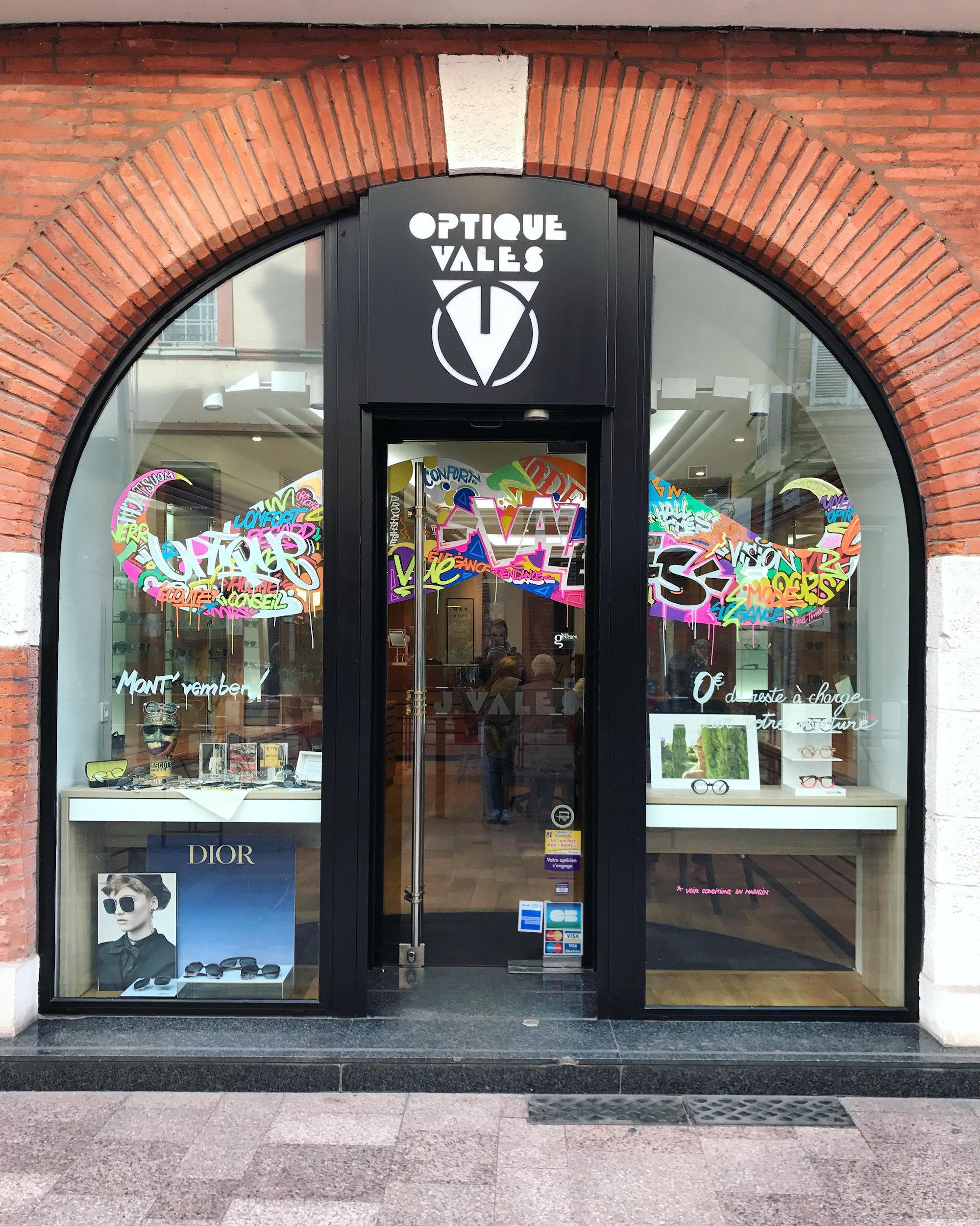 vales opticien graffeur toulouse halltimes decoration peinture streetart vitrine